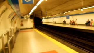 アキーラさん利用③スペイン・マドリッドの地下鉄1号線乗車・ボーダフォンソロ駅,首絞め強盗?Vodafone-solo,Metro1,Madrid,Spain