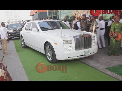 See How Ooni Of Ife Storms Oba Elegushi's Brother Wedding With His All White Rolls Royce Phantom