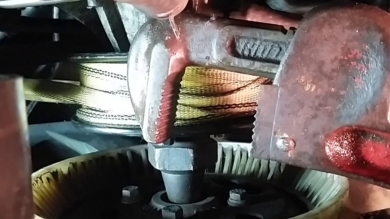 fan clutch removal gas or diesel engine [ 1280 x 720 Pixel ]