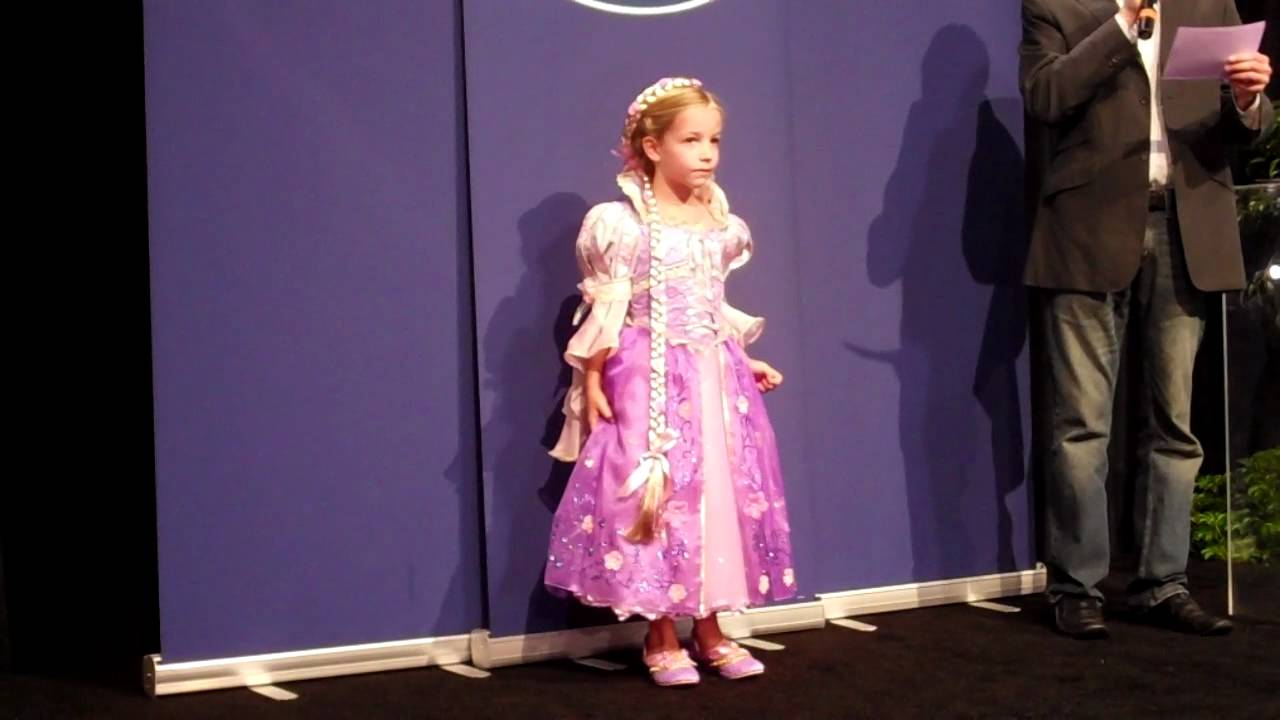 Disney Store Halloween Costume Ideas and Princess Parade - YouTube