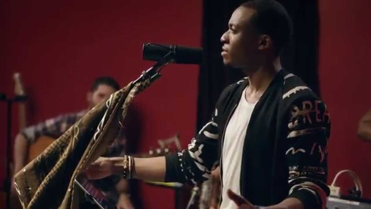 jonathan-mcreynolds-stay-high-unplugged-music-video-entertainment-one-nashville