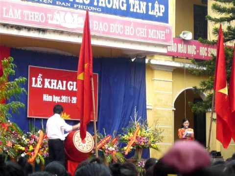 Đánh trống khai trường năm học 2011-2012 THPT Tân Lập