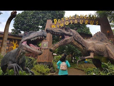 Dinosaurus T-Rex Taman Legenda Keong Mas | TMII