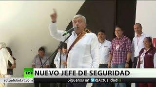 El presidente de México nombra a un civil como su jefe de seguridad