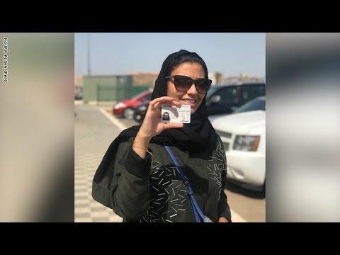 سعوديات يعبرن عن فرحتهن بقيادة السيارة  - نشر قبل 2 ساعة