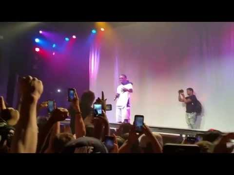 Diddy introduces mgk