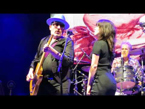 Elvis Costello & The Imposters With Imelda May - I Can't Stand Up For Falling Down 6/21/17 mp3