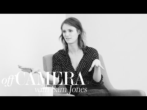 Mackenzie Davis Wants You to Be Game with Her