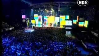 Смотреть клип Onirama Ft. Playmen & Έλενα Παπαρίζου - Φυσικά Μαζί