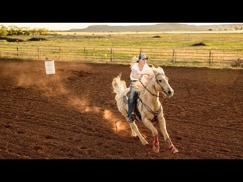 Texas Cowgirl Chases Down Her Dreams