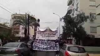 Διαμαρτύρονται και οι φοιτητές μαζί με τους μαθητές έξω από το υπουργείο