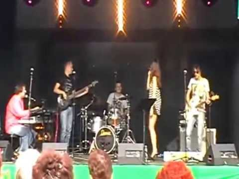 2 Faces Coverband - We Are Family (Sister Sledge)