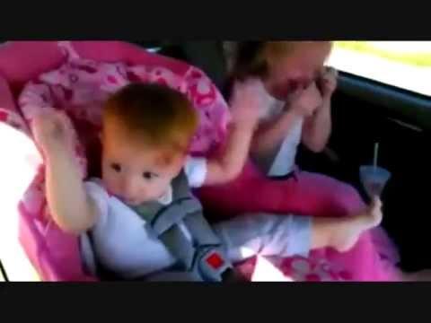 """طفل يرقص بطريقه غريبه ومضحكه على اغنية """"gangnam style"""" thumbnail"""