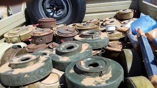 شاهد الألغام التي زرعتها مليشيا الحوثي في جبهة البقع وعملية استخراجها من قبل المقاومة