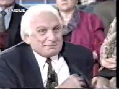 Marco Pannella regala hashish in diretta tv alla D