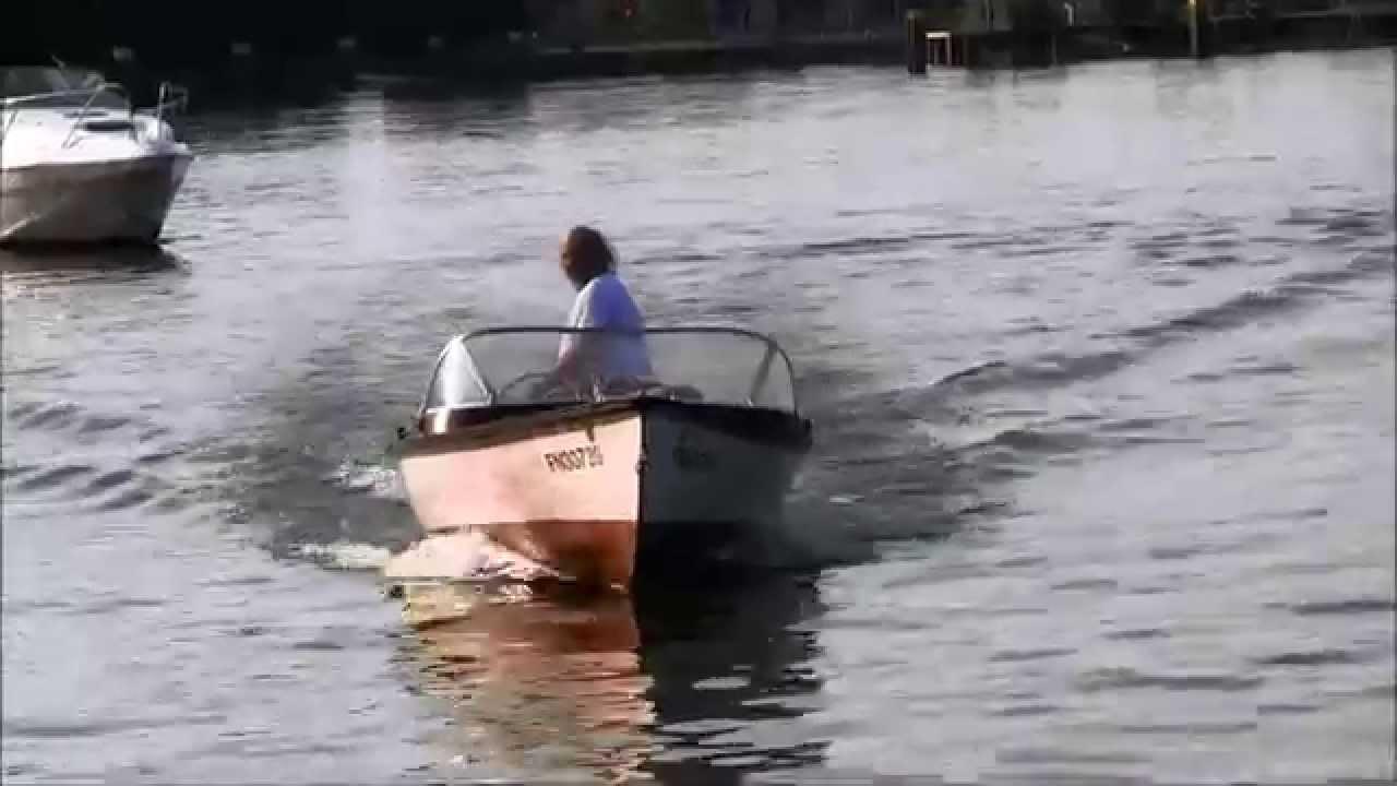 6 4 m sportboot mit 5 ps mercury zweitakt au enborder in. Black Bedroom Furniture Sets. Home Design Ideas