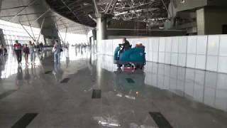 видео Аккумуляторные поломоечные машины