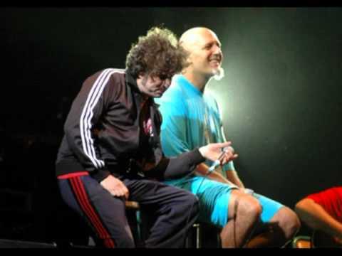 El viento trae una copla -Andrés Calamaro- En vivo Gesell Rock 2005.