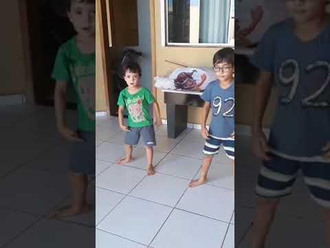 Criança dançando funk Miguel e Luan thumbnail