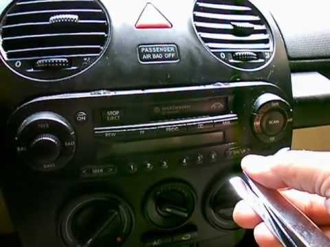 como quitar el estereo de un beetle 2004 - YouTube