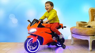Funny Tema ride on Power Wheels Sportbike and Pretend Play with toys thumbnail