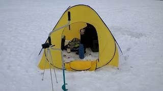 Палатка для зимней рыбалки. Отдых в палатке