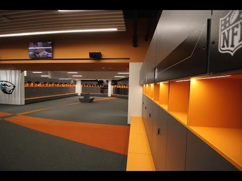 Tour the new Oregon State Beavers football locker room