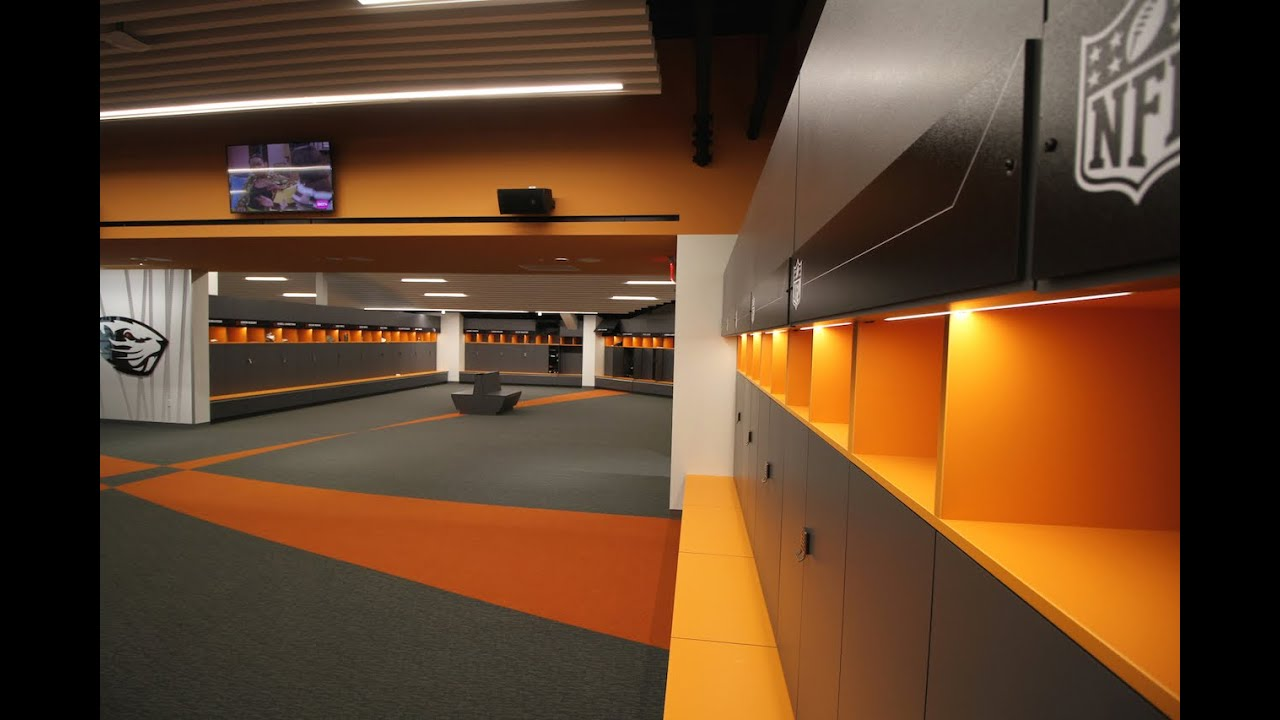Tour The New Oregon State Beavers Football Locker Room Youtube