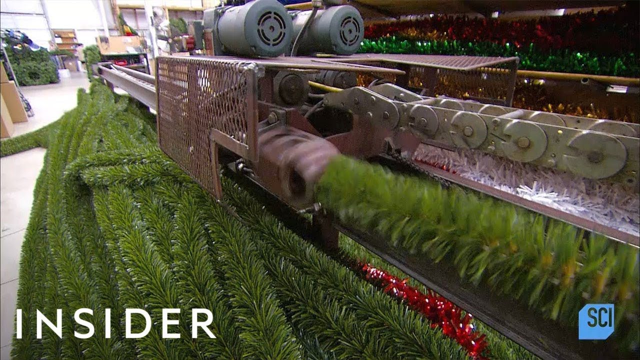 Како се прават вештачките новогодишни елки?
