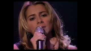 """""""L'amour existe encore"""" - Julie Zenatti / 20 Septembre 2002, De Starmania à Cindy"""