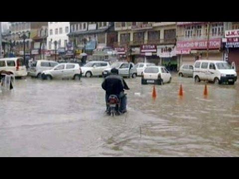 Heavy rain in Kashmir valley, parts of Srinagar waterlogged
