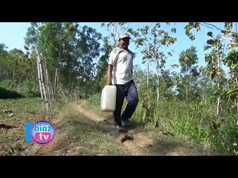 krisis-air-bersih,-warga-trenggalek-keluar-masuk-hutan-untuk-dapatkan-air---bioz.tv
