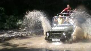 джипинг преодоление водной преграды(Видео клуба 350Z www.350Zclub.ru., 2009-07-30T18:04:08.000Z)