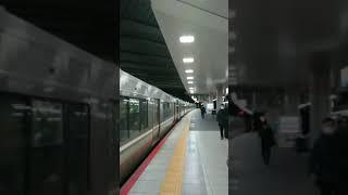 223系大阪発車201系