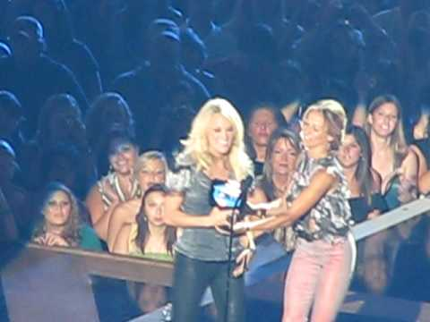 Carrie Underwood   of the Year Win  CMT Music Awards 2010