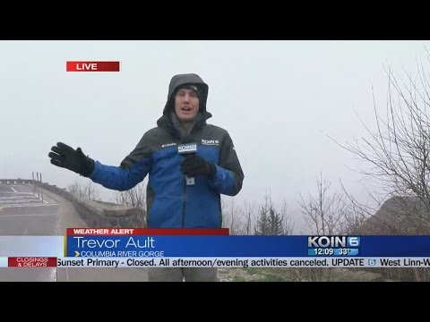 Heavy wind and snow hits Columbia River Gorge