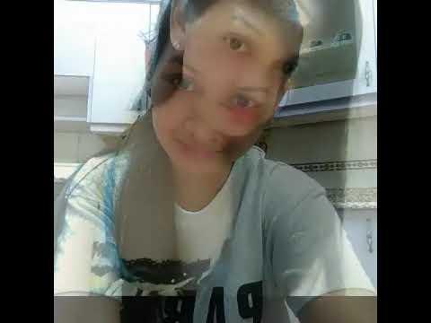 Ang babaeng walang sawang mag selfie....