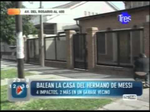Atacaron a balazos una casa de la familia messi en la zona for Articoli x la casa online