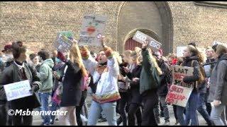 scholieren klimaatstaking @  Malieveld  Den Haag