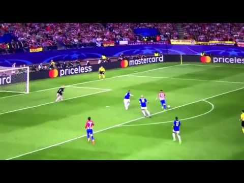 Torres Miss against Leicester !!