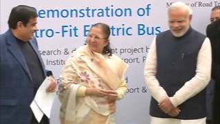 21 dec, 2015 - Indian PM Modi flags off electric bus for lawmakers