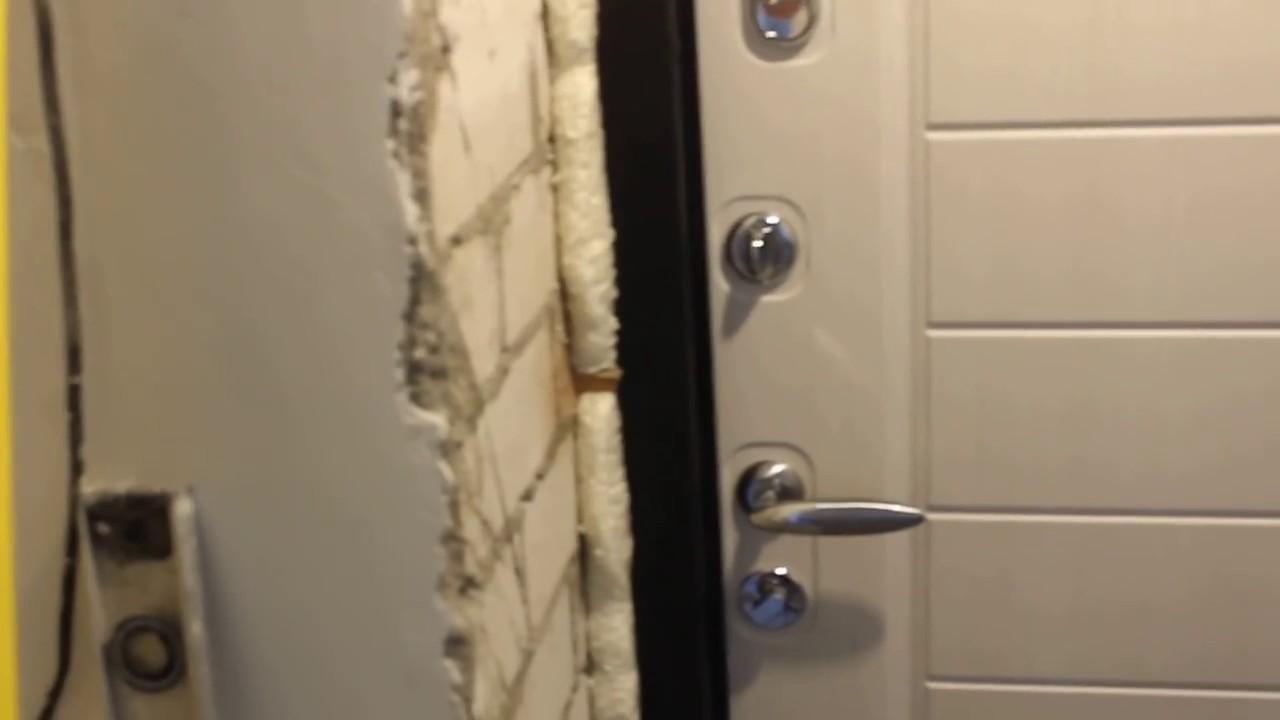 Заказчик грамотно рассказывает про установку входной двери - YouTube