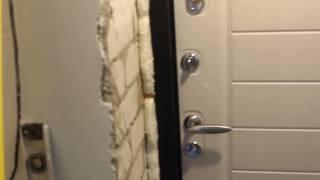 Заказчик грамотно рассказывает про установку входной двери