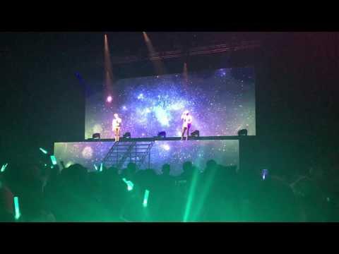 170326 SHINee - Please Don't Go @ Shrine Auditorium (SHINee World V in LA)