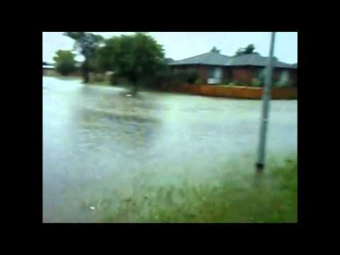 Floods Cranbourne North  4/2/2011