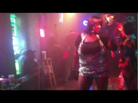 Real New Orleans Bounce. Shake it baby girl shake it!