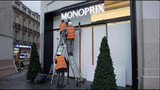 Gilets jaunes : les commerçants des Champs-Élysées se barricadent  (7 décembre 2018, Paris)