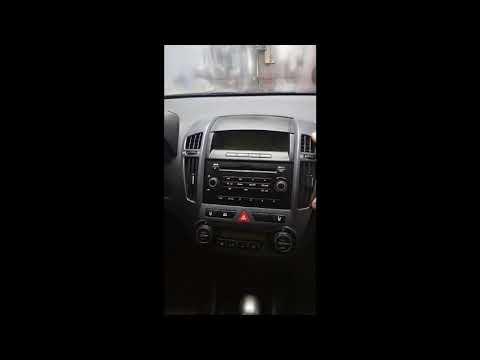 Как снять переднюю панель  или автопроигрыватель (магнитофон), Киа Сид