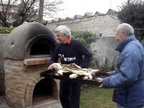 Lechon al horno de barro youtube for Lechon al horno de cocina