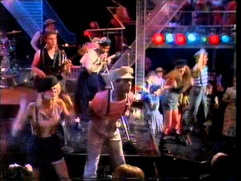 Joboxers - Boxerbeat. Top Of The Pops 1983